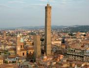 La foto delle due torri di Bologna